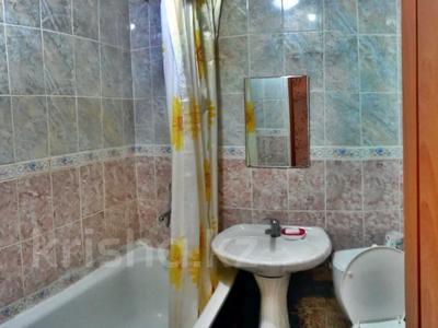 1-комнатная квартира, 35 м², 4/5 этаж посуточно, Махамбета 125 за 7 000 〒 в Атырау — фото 5