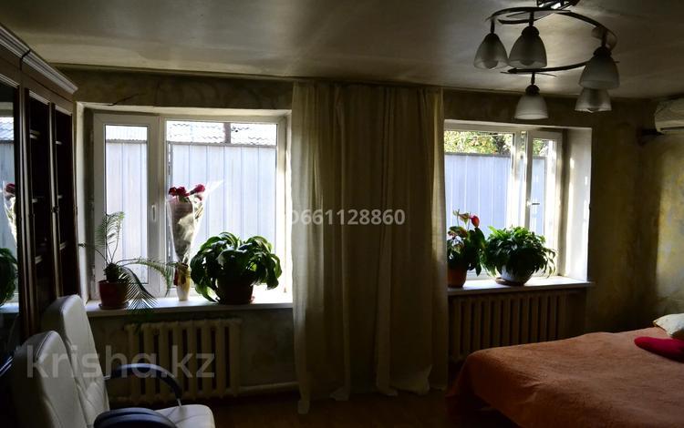 5-комнатный дом, 150 м², 8 сот., мкр Акбулак, Мкр Акбулак 36 — Еспаева за 30 млн 〒 в Алматы, Алатауский р-н