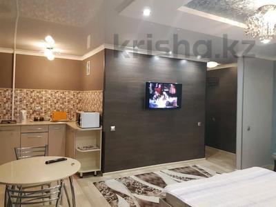 1-комнатная квартира, 35 м² посуточно, Алиханова 38/3 — Мед. Университет за 7 000 〒 в Караганде, Казыбек би р-н