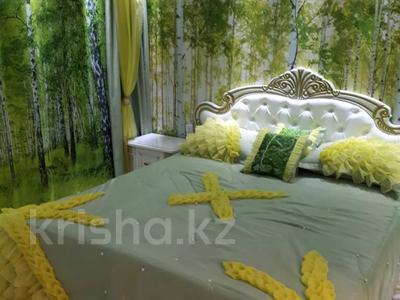 2-комнатная квартира, 60 м², 3/5 этаж посуточно, Кабанбай Батыра 46 — Шакарима за 20 000 〒 в Семее — фото 2