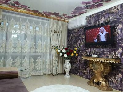 2-комнатная квартира, 60 м², 3/5 этаж посуточно, Кабанбай Батыра 46 — Шакарима за 20 000 〒 в Семее — фото 4