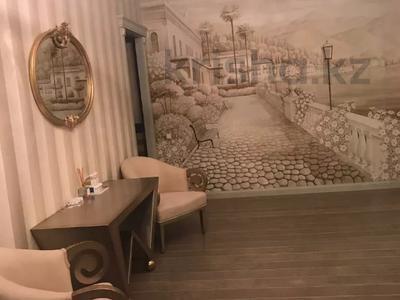 4-комнатная квартира, 230 м², 1/4 этаж, Достык — Оспанова за 329 млн 〒 в Алматы, Медеуский р-н — фото 4