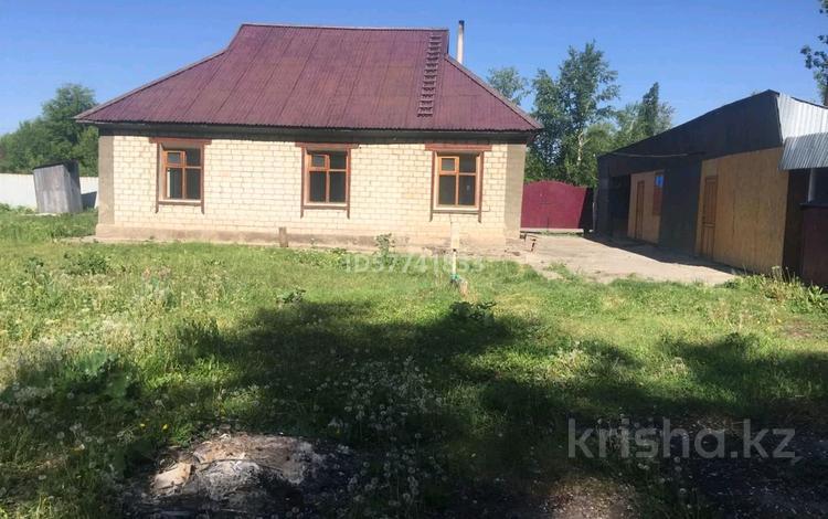 4-комнатный дом, 80 м², 30 сот., Алматинская 12 за 8 млн 〒 в Урджаре