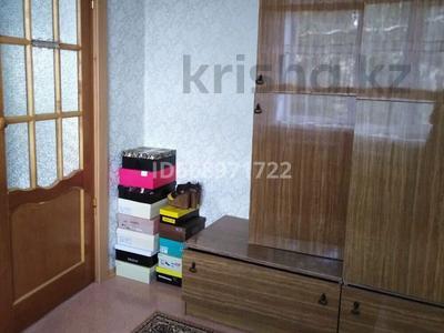 3-комнатная квартира, 55.2 м², 4/5 этаж, По.Металлургов за 12.3 млн 〒 в Темиртау