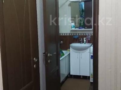 1-комнатная квартира, 42 м², 5/5 этаж, мкр Аксай-2А, Толе би (Комсомольская) — Бауыржана Момышулы за 14 млн 〒 в Алматы, Ауэзовский р-н — фото 9