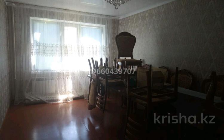 4-комнатная квартира, 75 м², 4/5 этаж, Салтанат 23 — Сейфуллин за 17 млн 〒 в Таразе
