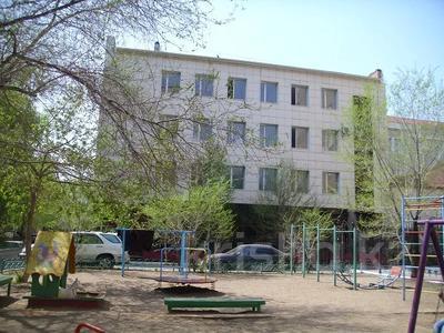 Здание, площадью 1708 м², Желтоксан за 300 млн 〒 в Нур-Султане (Астана)