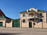 12-комнатный дом, 600 м², 15 сот.