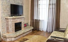 2-комнатная квартира, 80 м², 3/5 этаж посуточно, проспект Бухар жырау 38 — Алиханова за 15 995 〒 в Караганде, Казыбек би р-н
