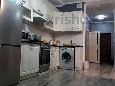 2-комнатная квартира, 61 м², 9/10 этаж, 18-й микрорайон 78 а за 32 млн 〒 в Шымкенте, Енбекшинский р-н — фото 3
