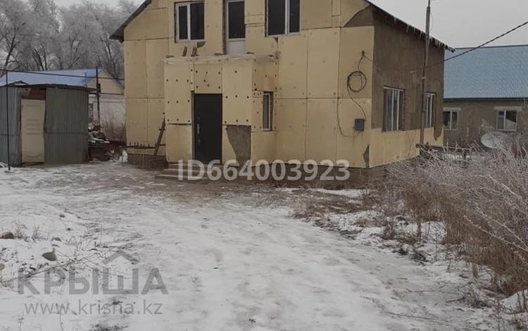 6-комнатный дом, 180 м², 9 сот., улица береке 34 за 12 млн 〒 в Мерей (Селекция)