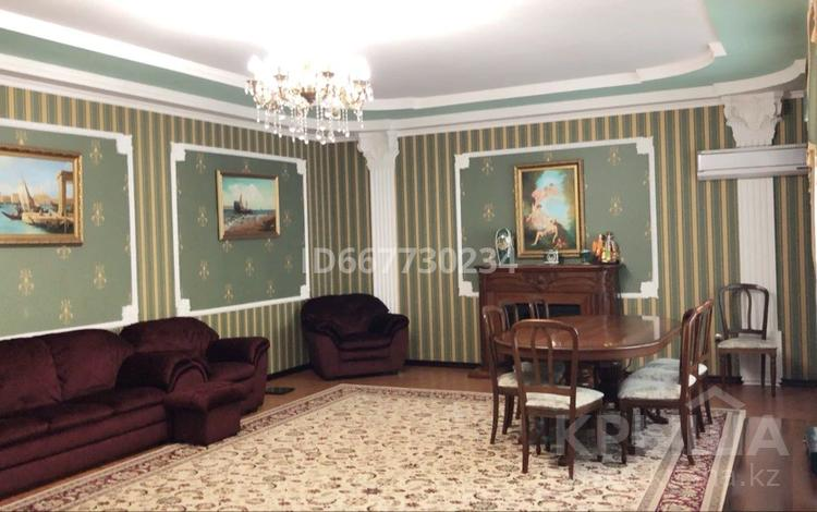 8-комнатная квартира, 323.6 м², 2/3 этаж, Тарана 162 — Тарана Бородина за 82.6 млн 〒 в Костанае