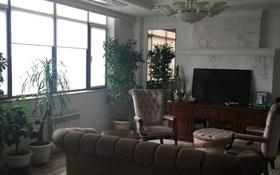 8-комнатная квартира, 350 м², 10/31 этаж, Байтурсынова 9 за 310 млн 〒 в Нур-Султане (Астана), Алматы р-н