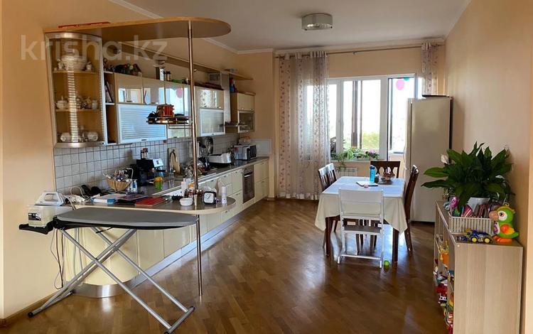 3-комнатная квартира, 150 м² на длительный срок, Экспериментальная 19 за 450 000 〒 в Алматы