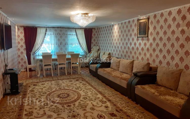 4-комнатный дом, 96 м², Село Кенес 27 за 8.5 млн 〒 в Акколе