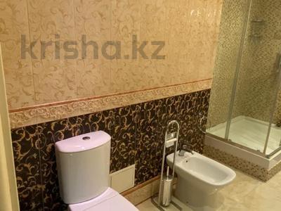 4-комнатная квартира, 165 м², 9/36 этаж, Кабанбай батыра 11 за 70 млн 〒 в Нур-Султане (Астана), Есиль р-н — фото 17