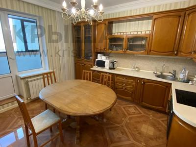 4-комнатная квартира, 165 м², 9/36 этаж, Кабанбай батыра 11 за 70 млн 〒 в Нур-Султане (Астана), Есиль р-н — фото 7