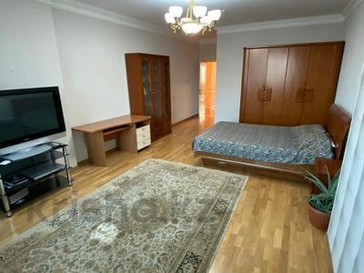 4-комнатная квартира, 165 м², 9/36 этаж, Кабанбай батыра 11 за 70 млн 〒 в Нур-Султане (Астана), Есиль р-н — фото 9