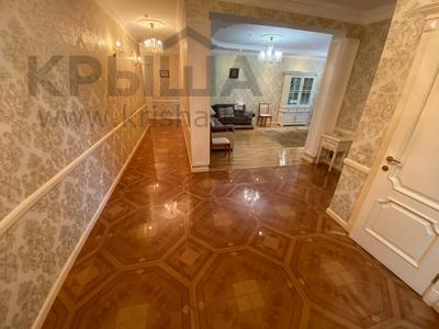 4-комнатная квартира, 165 м², 9/36 этаж, Кабанбай батыра 11 за 70 млн 〒 в Нур-Султане (Астана), Есиль р-н