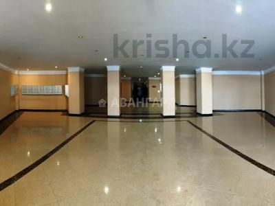4-комнатная квартира, 170 м², 1/8 этаж, мкр Юбилейный, Омаровой 31 — проспект Достык за 54.4 млн 〒 в Алматы, Медеуский р-н