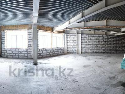 4-комнатная квартира, 170 м², 1/8 этаж, мкр Юбилейный, Омаровой 31 — проспект Достык за 54.4 млн 〒 в Алматы, Медеуский р-н — фото 2