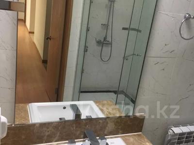 4-комнатная квартира, 150 м², 3/25 этаж помесячно, Байтурсынова 1 за 400 000 〒 в Нур-Султане (Астана), Алматы р-н — фото 3
