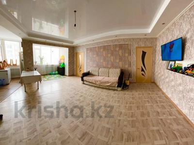 3-комнатная квартира, 83 м², 6/10 этаж, мкр. Батыс-2, Алии Молдагуловой пр-т 58\2 за 18.2 млн 〒 в Актобе, мкр. Батыс-2