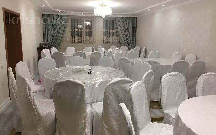 5-комнатный дом посуточно, 250 м², 10 сот., Саркан 34 — Обаган за 60 000 〒 в Нур-Султане (Астана), Алматы р-н