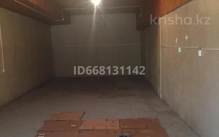 помещение под склад, под цех или торговли за 50 000 〒 в Шымкенте, Абайский р-н