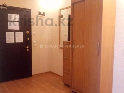 3-комнатная квартира, 80 м², 5/9 этаж помесячно, Шарипова 26А за 320 000 〒 в Атырау — фото 12