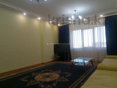 3-комнатная квартира, 80 м², 5/9 этаж помесячно, Шарипова 26А за 320 000 〒 в Атырау