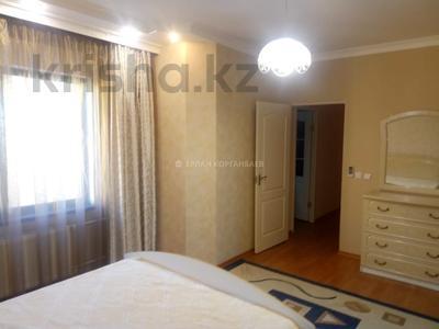 3-комнатная квартира, 80 м², 5/9 этаж помесячно, Шарипова 26А за 320 000 〒 в Атырау — фото 5