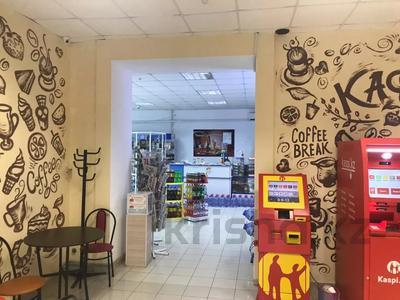 Магазин площадью 1000 м², мкр Астана 20 — Московская за 180 млн 〒 в Уральске, мкр Астана — фото 5