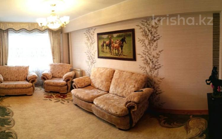 3-комнатная квартира, 72.5 м², 4/5 этаж, Энтузиастов 17 за 21.5 млн 〒 в Усть-Каменогорске