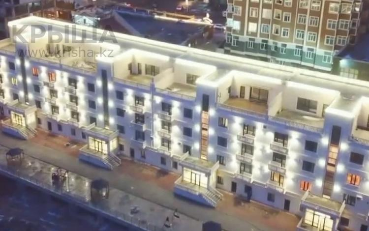 6-комнатная квартира, 260 м², 3/4 этаж, 7-й мкр 14 за 69 млн 〒 в Актау, 7-й мкр
