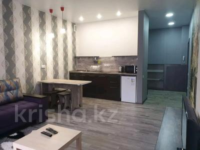1-комнатная квартира, 35 м², 5/9 этаж посуточно, Камзина 41/1 — Ермуханова за 8 000 〒 в Павлодаре — фото 4