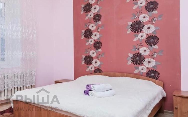 2-комнатная квартира, 90 м², 4/9 этаж помесячно, Достык 1 за 140 000 〒 в Нур-Султане (Астане), Есильский р-н