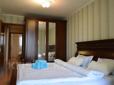 4-комнатная квартира, 120 м², 5/9 этаж посуточно, проспект Евразия 71/1 за 25 000 〒 в Уральске