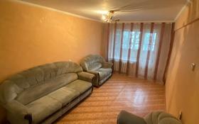 2-комнатная квартира, 46 м², 2/5 этаж помесячно, Жанасемейская 33 за 60 000 〒 в Семее