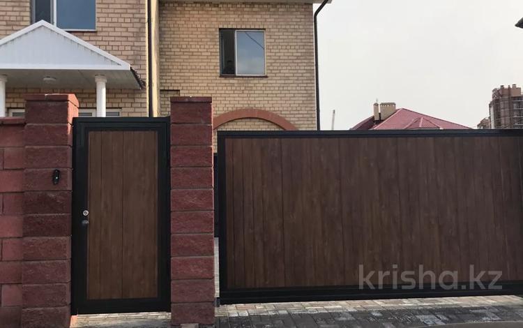 5-комнатный дом, 364 м², 13 сот., Мкр Караоткель-2 за 141 млн 〒 в Нур-Султане (Астана), Есиль р-н