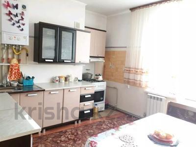 2-комнатная квартира, 76 м², 4/4 этаж, Назарбекова — Аргынбекова за 20 млн 〒 в Шымкенте, Каратауский р-н