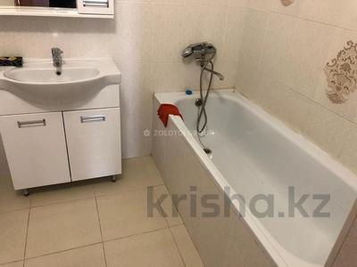 2-комнатная квартира, 65 м² помесячно, Касыма Аманжолова 9/1 за 140 000 〒 в Нур-Султане (Астана) — фото 10