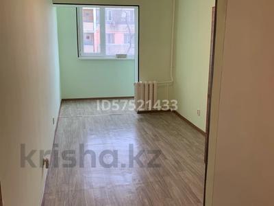 3-комнатная квартира, 100 м², 3/5 этаж помесячно, 5-й мкр 41 за 100 000 〒 в Актау, 5-й мкр — фото 4