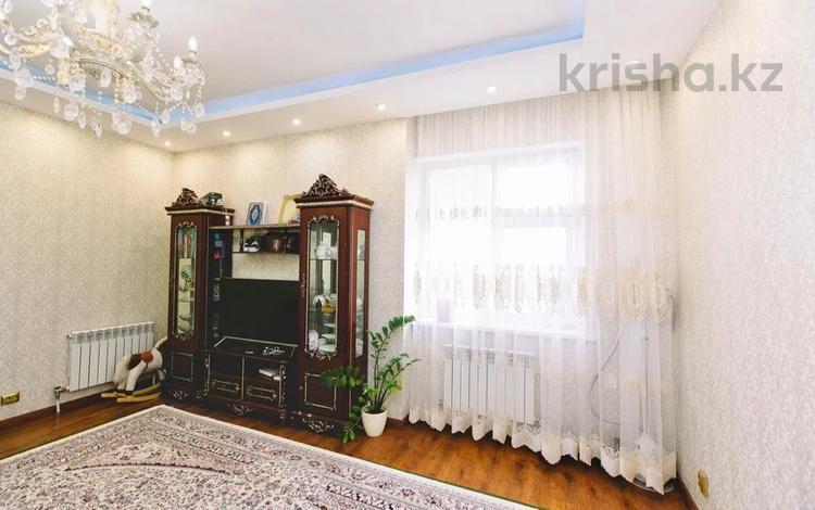 2-комнатная квартира, 70 м², 11/12 этаж, Ак мешит 9 за 27.5 млн 〒 в Нур-Султане (Астана), Есиль р-н