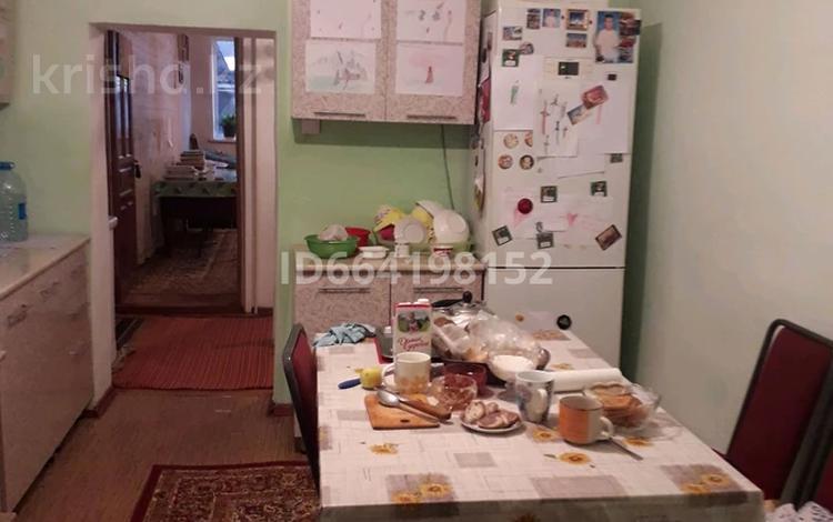 7-комнатный дом, 100 м², 3.5 сот., ул Порт Артурская — ул Базарбаева за 28 млн 〒 в Алматы, Медеуский р-н