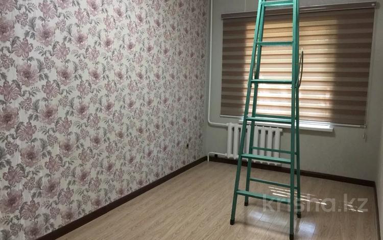4-комнатная квартира, 89 м², 1/5 этаж, Каратау 43 за 20.8 млн 〒 в Таразе