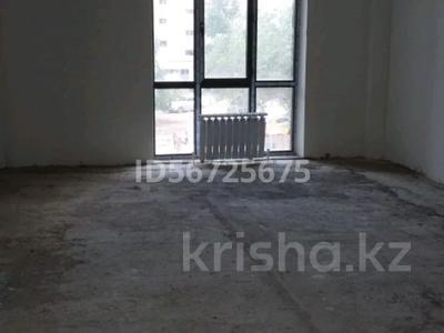 Магазин площадью 50 м², 11 мкр. — Пр. Абулхаир-хана. за 150 000 〒 в Актобе — фото 8