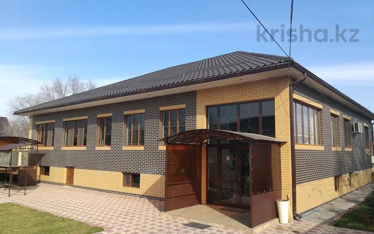 21-комнатный дом, 342 м², 1109 сот., Турар Рыскулова за 65 млн 〒 в Мерке