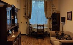 5-комнатная квартира, 180 м², 3/3 этаж помесячно, проспект Абылай Хана 122 за 600 000 〒 в Алматы, Алмалинский р-н