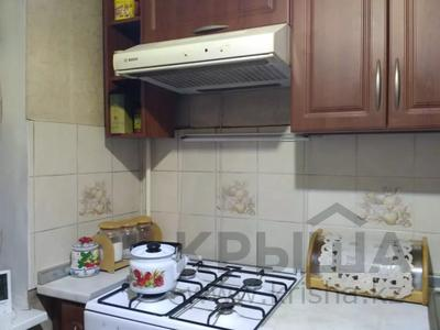 3-комнатная квартира, 62 м², 4/5 этаж, мкр Айнабулак-3 131 за 25 млн 〒 в Алматы, Жетысуский р-н — фото 2